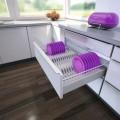 Wkłady na talerze są nieodłącznym elementem każdej kuchni. Pomagają utrzymać porządek oraz efektywnie zagospodarować przestrzeń szuflady. Producent PEKA