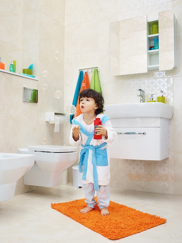 łazienka, jasna, szafka pod umywalkę biała