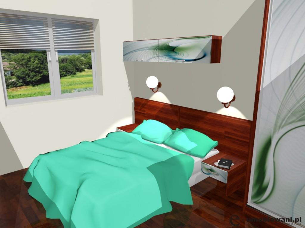 Szafa narożna z grafiką w sypialni, szafka nad łóżkiem z grafiką, drewniane łóżko