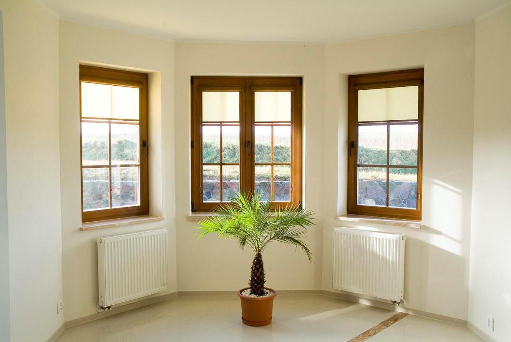 Żaluzje, rolety, drewniane okna