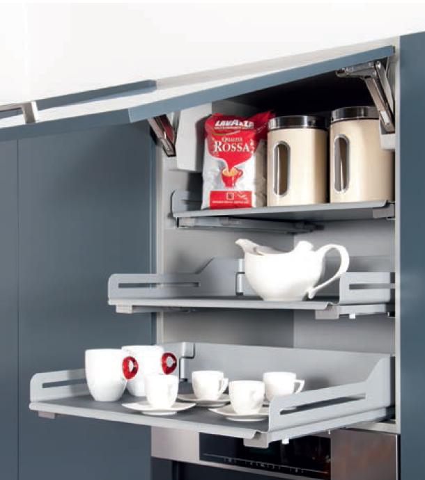 kuchnia, meble kuchenne, Półki w szafkach kuchennych górnych wysuwane