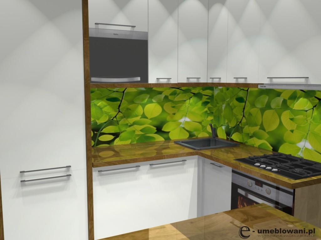 kuchnia, Tapeta w kuchni pomiędzy szafkami liście