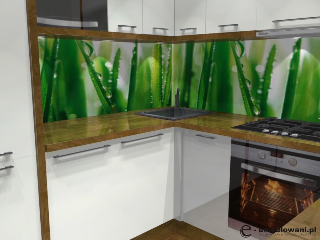 kuchnia biała, drewno, Fototapeta z trawą w kuchni