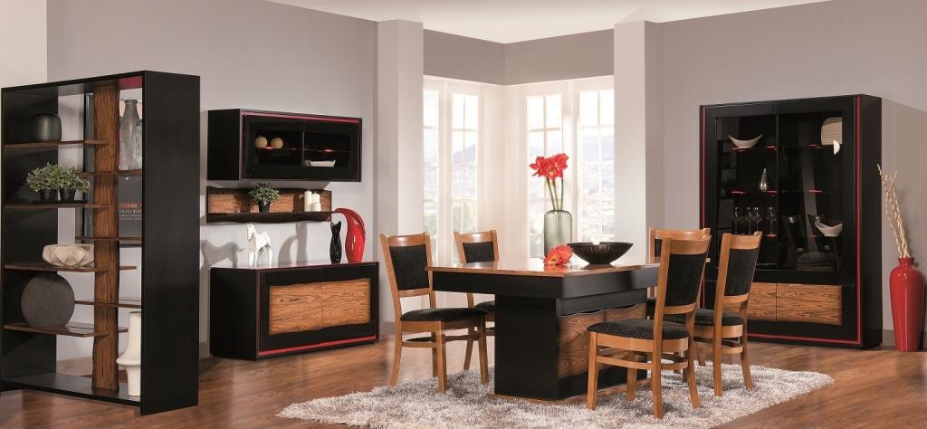 Jadalnia Flamenco, stół czarny z drewnem, komoda czarna z drewnem